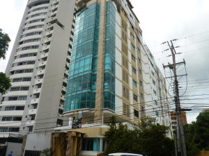 Local Comercial En Ventaen Maracay, La Arboleda, Venezuela, VE RAH: 21-11904