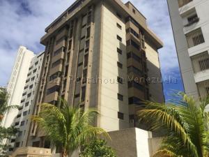 Apartamento En Ventaen Parroquia Caraballeda, Tanaguarena, Venezuela, VE RAH: 21-11936