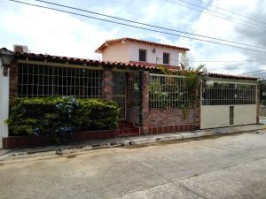 Casa En Ventaen Cabudare, Parroquia José Gregorio, Venezuela, VE RAH: 21-11973