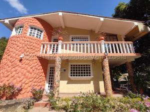 Casa En Ventaen Turmero, Zona Centro, Venezuela, VE RAH: 21-11978