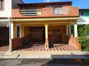 Townhouse En Ventaen Cabudare, La Mata, Venezuela, VE RAH: 21-13891