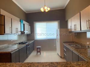 Apartamento En Alquileren Ciudad Ojeda, La N, Venezuela, VE RAH: 21-12026