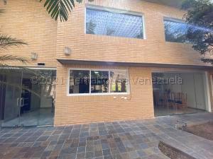 Casa En Ventaen Caracas, Santa Eduvigis, Venezuela, VE RAH: 21-12024
