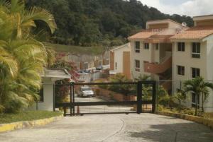 Townhouse En Ventaen Caracas, Monte Claro, Venezuela, VE RAH: 21-12030