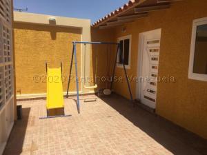 Casa En Alquileren Punto Fijo, Puerta Maraven, Venezuela, VE RAH: 21-12036