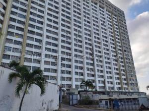 Apartamento En Ventaen Parroquia Caraballeda, Los Corales, Venezuela, VE RAH: 21-12049