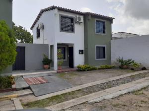 Casa En Ventaen Cabudare, Villa Roca, Venezuela, VE RAH: 21-12066