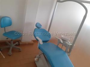 Consultorio Medico  En Ventaen Maracaibo, Avenida Falcon, Venezuela, VE RAH: 21-12175