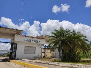 Terreno En Ventaen Santa Cruz De Aragua, Residencias Santa Cruz, Venezuela, VE RAH: 21-12101