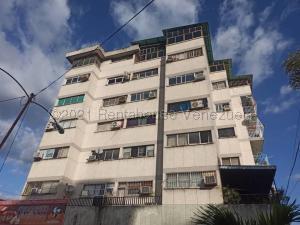 Apartamento En Ventaen Maracay, Avenida Los Cedros, Venezuela, VE RAH: 21-12168