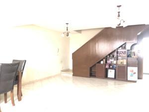 Apartamento En Alquileren Cabimas, Buena Vista, Venezuela, VE RAH: 21-12161