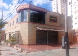 Local Comercial En Ventaen Maracay, San Miguel, Venezuela, VE RAH: 21-12172