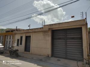 Casa En Ventaen Turmero, El Macaro, Venezuela, VE RAH: 21-12179