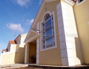 Casa En Ventaen Coro, Centro, Venezuela, VE RAH: 21-12182