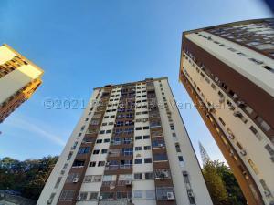 Apartamento En Ventaen Valencia, El Bosque, Venezuela, VE RAH: 21-12255