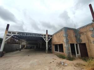 Galpon - Deposito En Ventaen Maracaibo, Avenida Universidad, Venezuela, VE RAH: 21-12257