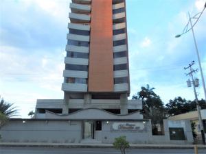 Apartamento En Ventaen Lecheria, Av Bolivar, Venezuela, VE RAH: 21-12283