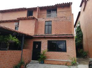 Townhouse En Ventaen Guatire, El Encantado, Venezuela, VE RAH: 21-12303