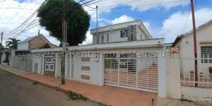 Casa En Ventaen Maracaibo, Valle Frio, Venezuela, VE RAH: 21-8220