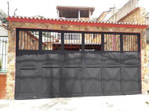 Casa En Ventaen La Guaira, Macuto, Venezuela, VE RAH: 21-12355