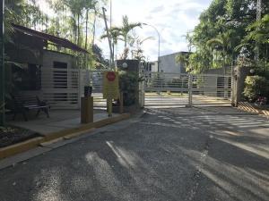 Townhouse En Ventaen Caracas, La Boyera, Venezuela, VE RAH: 21-12367
