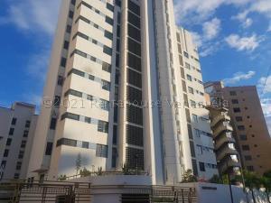 Apartamento En Ventaen Catia La Mar, Playa Grande, Venezuela, VE RAH: 21-12386