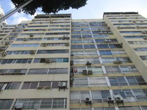 Oficina En Alquileren Caracas, Plaza Venezuela, Venezuela, VE RAH: 21-12453