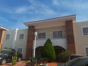 Townhouse En Ventaen Maracaibo, Lago Mar Beach, Venezuela, VE RAH: 21-10772