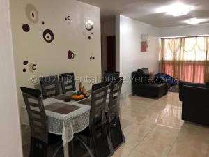Apartamento En Ventaen Caracas, Parroquia La Candelaria, Venezuela, VE RAH: 21-12431