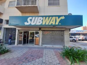 Local Comercial En Alquileren Maracaibo, 5 De Julio, Venezuela, VE RAH: 21-12440