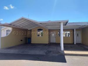 Casa En Alquileren Punto Fijo, Casacoima, Venezuela, VE RAH: 21-12444