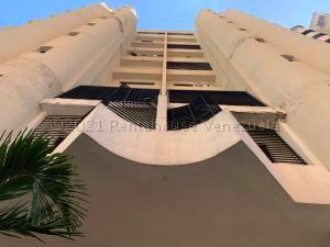 Apartamento En Ventaen Valencia, La Trigaleña, Venezuela, VE RAH: 21-12518