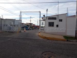 Casa En Ventaen Cabudare, La Mora, Venezuela, VE RAH: 21-12458