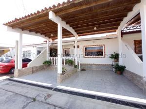 Casa En Ventaen Cabudare, Los Bucares, Venezuela, VE RAH: 21-12471
