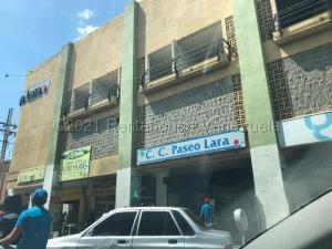 Local Comercial En Ventaen Valencia, Avenida Lara, Venezuela, VE RAH: 21-12501