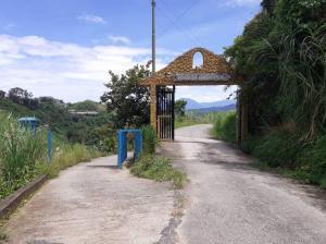 Terreno En Ventaen San Antonio De Los Altos, El Amarillo, Venezuela, VE RAH: 21-12509