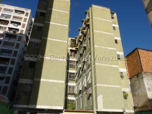 Apartamento En Ventaen Maracay, Zona Centro, Venezuela, VE RAH: 21-12536