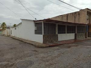 Casa En Ventaen Maracay, Las Acacias, Venezuela, VE RAH: 21-12571