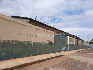 Galpon - Deposito En Alquileren Maracaibo, Zona Industrial Norte, Venezuela, VE RAH: 21-12576
