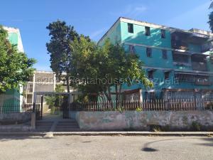 Apartamento En Ventaen Guarenas, Trapichito, Venezuela, VE RAH: 21-12581