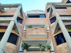 Apartamento En Ventaen Valencia, Los Mangos, Venezuela, VE RAH: 21-12584