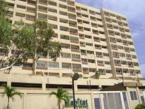 Apartamento En Alquileren Maracaibo, Avenida El Milagro, Venezuela, VE RAH: 21-12587