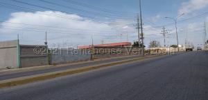 Terreno En Ventaen Maracaibo, Carretera A Perija, Venezuela, VE RAH: 21-12876