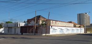 Local Comercial En Ventaen Maracaibo, Plaza Republica, Venezuela, VE RAH: 21-12872