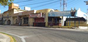 Local Comercial En Ventaen Maracaibo, Plaza Republica, Venezuela, VE RAH: 21-12874