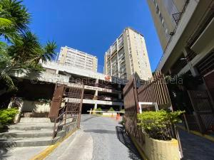 Apartamento En Ventaen Caracas, Santa Fe Norte, Venezuela, VE RAH: 21-12655