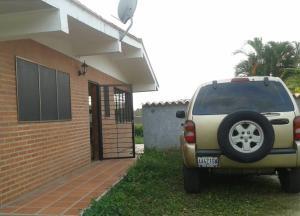 Casa En Ventaen Higuerote, Castillos De Monterrey, Venezuela, VE RAH: 21-12658