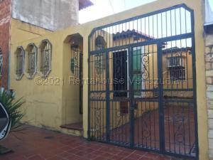 Casa En Ventaen Barcelona, El Saman, Venezuela, VE RAH: 21-12680