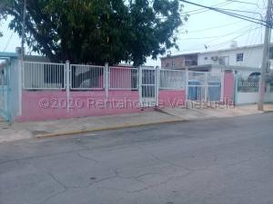 Casa En Ventaen Maracaibo, Maracaibo, Venezuela, VE RAH: 21-12722