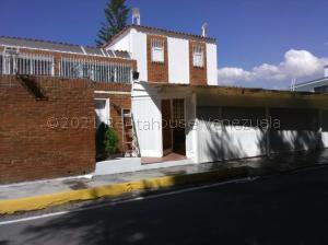 Casa En Ventaen Caracas, Colinas De Los Chaguaramos, Venezuela, VE RAH: 21-2566